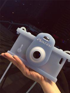 Moschino leuchtende Silikonhülle mit Kamera-Muster für iPhone 5/5S/6/6 Plus - spitzekarte.com
