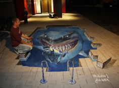 This Is Unbelievable! The Incredibly Anamorphic Chalk Street Art By Arndt Nikolaj - Cools And Fools 3d Street Art, Amazing Street Art, Amazing Art, Amazing Photos, Awesome, 3d Floor Painting, 3d Street Painting, 3d Art, 3d Chalk Art