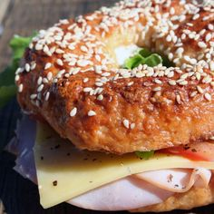 Everyone loves a bagel sandwich! This is where the classic bagel flavours shine. Sesame seeds and poppy seeds and even mixed seed (ok, all bagels really! Bagel Sandwich, Tomato And Cheese, Aioli, Bagels, Lettuce, Ham, Poppy, Onion, Mustard