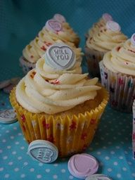 Cupcake decorating for a crafty & edible hen party! Hen Party Food, Hen Party Cakes, Hen Night Ideas, Hen Ideas, Yummy Cupcakes, Heart Cupcakes, Mini Cakes, Cupcake Cakes, Party Buffet
