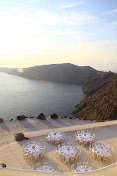 ROCABELLA-Deluxe suits & Spa in Santorini, Greece #hotelsingreece #destinationweddinggreece  #hotelsinislands See more: http://www.love4weddings.gr/romantic-wedding-santorini/