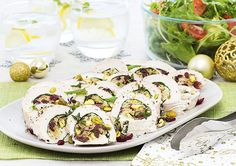 Cranberry and Pistachio Stuffed Chicken recipe - Easy Countdown Recipes Cheese Stuffed Chicken, Cream Cheese Chicken, Dinner For 2, Dinner Ideas, Pistachio Cream, Easy Chicken Recipes, Light Recipes, Quick Meals, Family Meals
