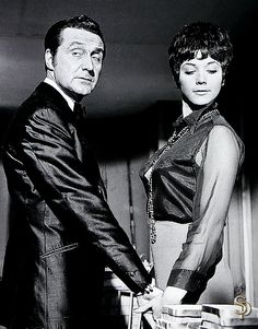 """And in the next moment, they burst into flames: Steed and Tara smoulder in """"False Witness. Tara King, King A, Avengers Images, New Avengers, Julie Stevens, Emma Peel, Uk Tv, Canadian Actresses, Tv Series"""