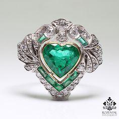 http://rubies.work/0838-ruby-pendant/ Antique Art Deco Platinum Diamond & 1.80 ctw Emerald Ring