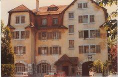 Café Beau-Site Ch de la vendée Beau Site, Hui, Mansions, House Styles, Home Decor, Decoration Home, Room Decor, Fancy Houses, Mansion