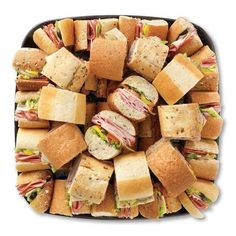 DIY Food Platters for parties Party Trays, Party Platters, Snacks Für Party, Fingers Food, Mezze, Party Sandwiches, Finger Sandwiches, Le Diner, Food Platters