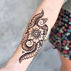 """Mehndika Joey Henna on Instagram: """"Class Update: I'm going to be doing several different classes next week. One is for complete beginners, people interested in learning basic…"""" Henna Art, Next Week, Different, Henna Ideas, Drawings, Henna Tattoos, Inspiration, Braids, Instagram"""
