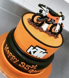 Motocross su terreni dolci... torta per i 35 anni di Giuseppe