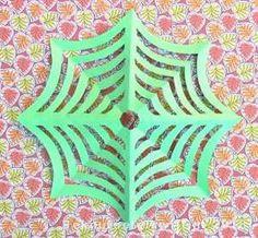 Spinneweb vouwen en knippen