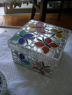 ❤ Mosaic Artwork, Mirror Mosaic, Mosaic Diy, Mosaic Garden, Mosaic Crafts, Mosaic Projects, Mosaic Tiles, Mosaic Designs, Mosaic Patterns