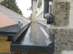 Fibreglass gutter by Pellow Side Extension, Extension Ideas, Fibreglass Flat Roof, Roof Design, House Design, Diy Roofing, Outdoor Office, Roofing Services, Roof Detail