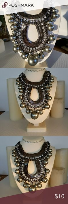 Statement Choker Necklace Faux Everything Fun Statement Necklace, lightweight but surprisingly rich and beautiful on!! This piece is in good condition! Other Jewelry Necklaces