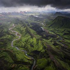 Higlands of Iceland Shot From A Plane [1920x1920][OC] http://ift.tt/2ot6YQb