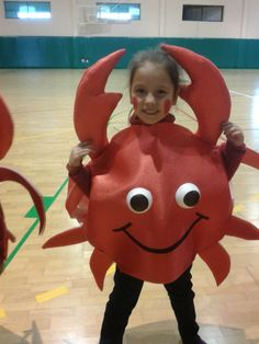 Crab Costume Back Concept Of Crab Halloween Costume Fancy Costumes, Creative Costumes, Diy Costumes, Halloween Kostüm, Halloween Costumes, Carnaval Costume, Crab Costume, Sea Creature Costume, Under The Sea Costumes