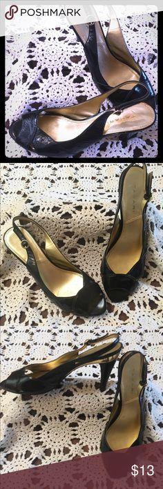 TAHARI heels shoes TAHARI heels shoes TAHARI  Shoes Heels