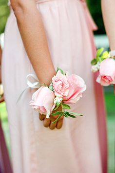 bridesmaid's corsage