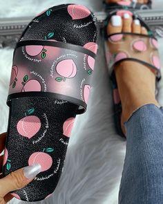 Shop Transparent Peach Pattern Flat Sandals right now, get great deals at bellewholesale Dr Shoes, Cute Shoes, Jean Moda, Cute Slippers, Trend Fashion, Emo Fashion, Fashion Online, Style Fashion, Open Toe Flats