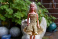 Puppenkleidung - Kleid mit 2 Stufen/Volants * für Barbie * gold - ein Designerstück von Sabisilke bei DaWanda