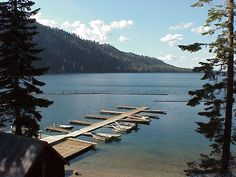 Enjoy fall in the mountains before it gets too cold: Fallen Leaf Lake, the sleepier lake near Lake Tahoe in El Dorado County | Flickr Photo credit: Willscrlt