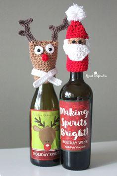 Bernat Crochet Bottle Toppers - Repeat Crafter Me Stacked PDF Christmas Wine Bottles, Christmas Labels, Christmas Ornaments, Christmas Crochet Patterns, Holiday Crochet, Crochet Ornaments, Crochet Snowflakes, Christmas Knitting, Crochet Gifts