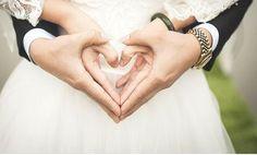 Les 25 meilleures id es de la cat gorie photos mariage for Code de robe de mariage de palais de justice