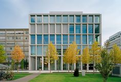 Modern trabeated facade. The Novartis Laboratory Building in Basel by David Chipperfield. Photo by Ulrich Schwarz.