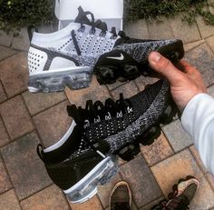 Cute Sneakers, Sneakers Mode, Sneakers Fashion, Shoes Sneakers, Shoes Men, Women's Shoes, Fashion Outfits, Fly Shoes, Kicks Shoes