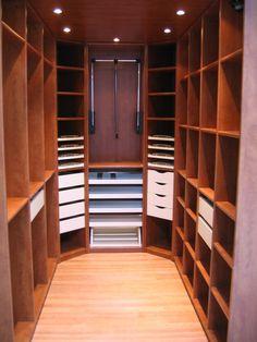 EDS dressing de chambre merisier tiroir vision totale+ élévateur de garde robe © EDSYSTEM #dressingroom #optimisationespace #rangementinterieurbois