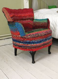 Chair slipcovered in crochet with random scraps of yarn, by Ponnekeblom, posted on Ravelry. What a fresh revival for a tired and somewhat dowdy chair! I've got a chair and I'm gonna try this but in shades of browns Armchair Slipcover, Upholstered Chairs, Armchair Covers, Sofa Chair, Chair Slipcovers, Desk Chair, Chair Cushions, Dining Chair, Crochet Art