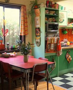 Retro home decor - From remarkable to amazing decor suggestions. diy retro home decor vintage kitchen ideas posted on this day For more charming ideas check the link to look through the post example 8933084891 now Decor, Home Decor Accessories, Interior, 1970s House, House Interior, Sweet Home, Bohemian Kitchen, 70s Home Decor, Retro Kitchen