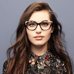 Dolled Up Ebony granite - Love getting all dolled up? With their bold cateye shape, these large frames will flawlessly succeed to express your delightful fancy and feminine side.