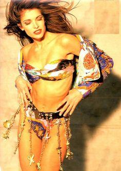 Stephanie Seymour for Gianni Versace 1992 90s Fashion, Fashion Beauty, Wind Blown Hair, Famous Supermodels, Stephanie Seymour, Vintage Versace, Model Look, Gianni Versace, Versace Versace
