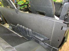 Seizmik Rear Windshield for John Deere Gator XUV 550 | RSX 850i: SideBySideStuff.com