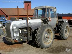 White 4-150 Tractor | White 4-150 van Ljungbyfan Druk bezig met poseren..