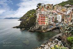 Riomaggiore Cinque Terre by QuayHu