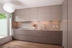 7 inspiring modern mini Kitchens to copy Cozinhas modernas por sandra marchesi architetto Kitchen Room Design, Kitchen Cabinet Design, Modern Kitchen Design, Home Decor Kitchen, Interior Design Kitchen, Kitchen Ideas, Kitchen Designs, Kitchen Cabinets, Kitchen Living