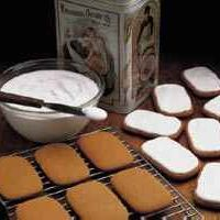 Old-Fashioned Molasses Cookies by Tablespoon