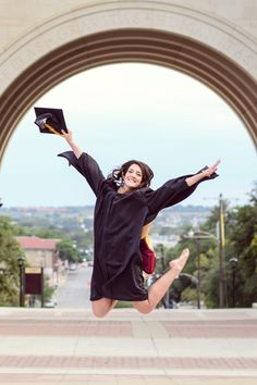Tabitha & JL – Texas State Graduates More Source by dimdream. Couple Graduation Pictures, Graduation Picture Poses, College Graduation Pictures, Unique Senior Pictures, Graduation Portraits, Graduation Photoshoot, Graduation Photography, Grad Pics, Girl Senior Pictures