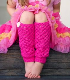 These leg warmers are adorable - free pattern - must make for the girls!