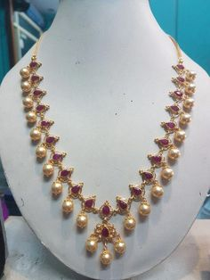 Markings For Gold Jewelry Pearl Necklace Designs, Gold Earrings Designs, Gold Jewellery Design, Bead Jewellery, Beaded Jewelry, Gold Designs, Antique Jewelry, Jewelery, Gold Necklace Simple