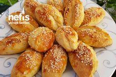 Kıyır Kıyır Pastane Poğaçası Tarifi nasıl yapılır? 5.044 kişinin defterindeki bu tarifin detaylı anlatımı ve deneyenlerin fotoğrafları burada. Turkish Breakfast, Best Breakfast, Homemade Beauty Products, Pretzel Bites, Baby Food Recipes, Food To Make, Food And Drink, Gluten, Yummy Food