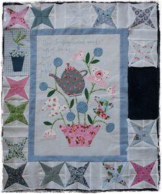 Or ..., working on the Gossip in the garden quilt!     Met heel veel plezier ben ik de laatste dagen bezig aan deze leuke blokjes...