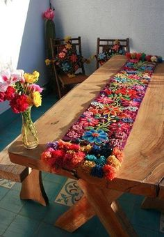Bohemian Decor :: Le décor «It Mexican Art, Mexican Style, Embroidery Art, Embroidery Designs, Embroidery Stitches, Diy And Crafts, Arts And Crafts, Bohemian Decor, House Colors