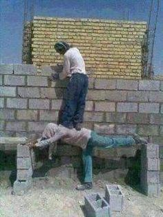 Very very funny photos.you could not stop your laughter Very Funny Photos, Funny Images, Funny Pictures, Random Pictures, Construction Fails, Construction Safety, Mexicans Be Like, Funny Jokes, Hilarious