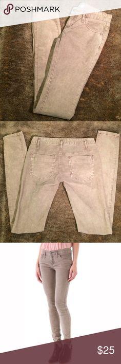 New Free People Skinny Corduroy Jeans 24 beige NEw Free People Skinny Corduroy jeans. Super cute skinny cords from free people. Never worn, new without tags. Beige tan color. Free People Jeans Skinny