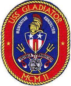 MCM-11 USS GLADIATOR MINE COUNTERMEASURES SHIP PATCH