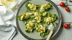 Αυγοσαλατα με σελινο και βοτανα