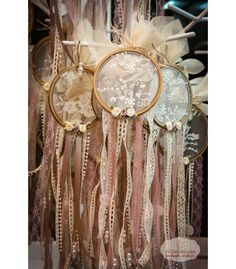 This Is Officially The Cheapest, Most Gorgeous Way To Decorate A Wedding Boho Wedding Decorations, Unique Wedding Favors, Unique Weddings, Diy Wedding, Dreamcatcher Design, Henna Night, Baptism Favors, Floral Hoops, Christening