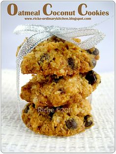 Crispy Chocolate Chip Cookies, Oatmeal Coconut Cookies, Chocolate Chips, Food N, Food And Drink, Healthy Cookies, Biscuit Recipe, Cookie Recipes, Food Photography