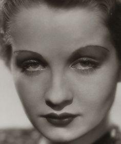 Sari Maritza, 1932